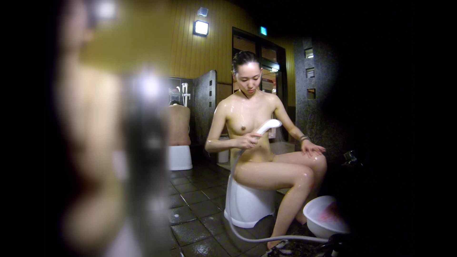 エロ動画:洗い場!チラチラ見てくる理想のボディの清楚さん:怪盗ジョーカー