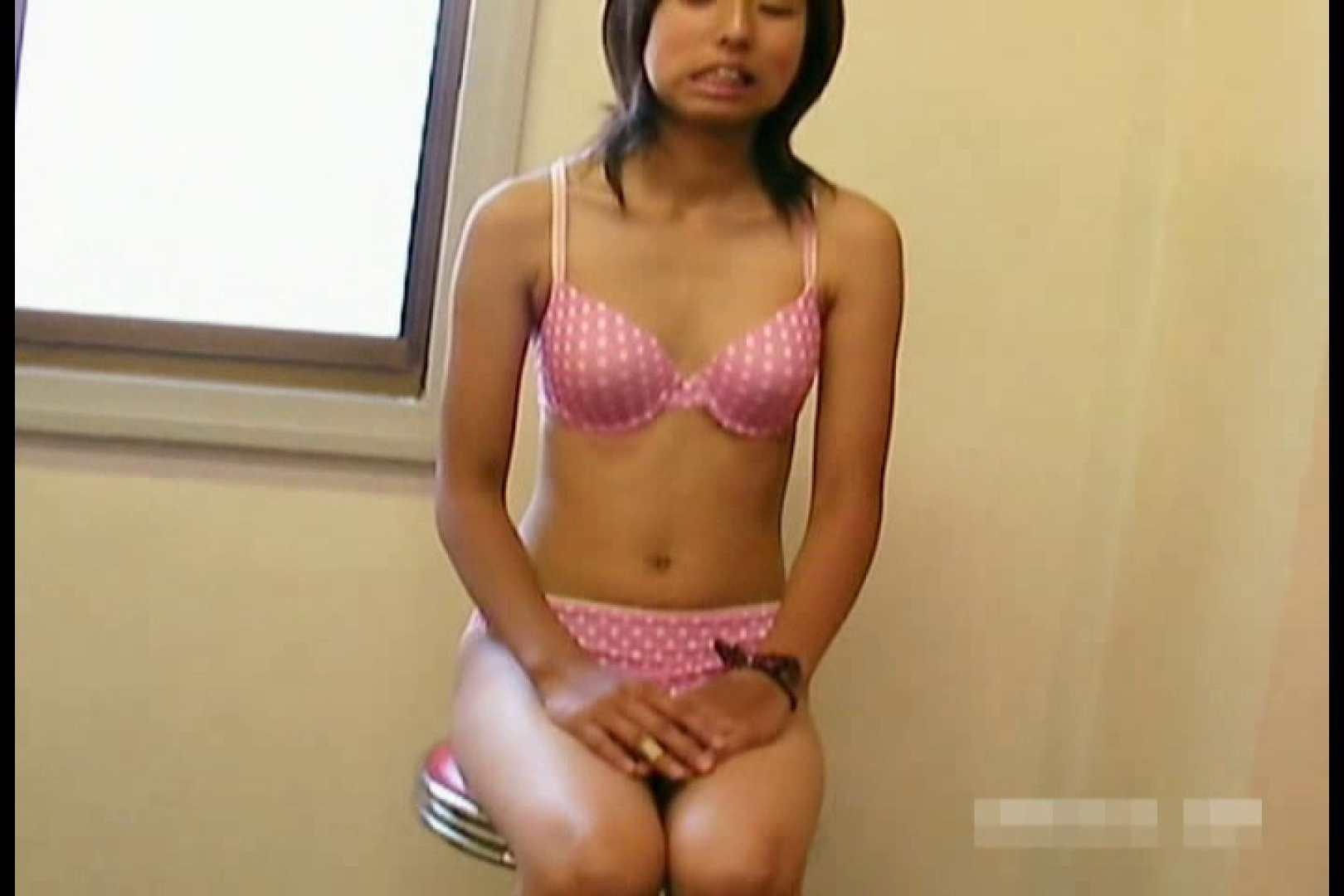 素人撮影 下着だけの撮影のはずが・・・エミちゃん18歳 乳首 ワレメ無修正動画無料 105連発 30