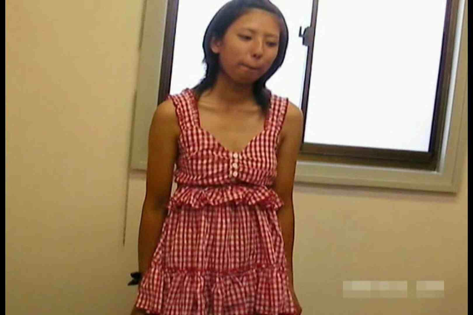 素人撮影 下着だけの撮影のはずが・・・エミちゃん18歳 独占盗撮 おまんこ無修正動画無料 105連発 74