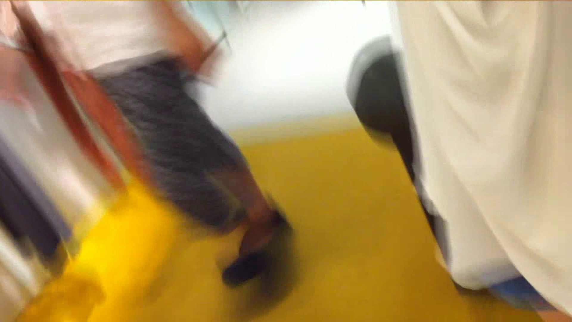 可愛いカリスマ店員限定‼胸チラ&パンチラ vol.07 接写   パンチラ  89連発 37