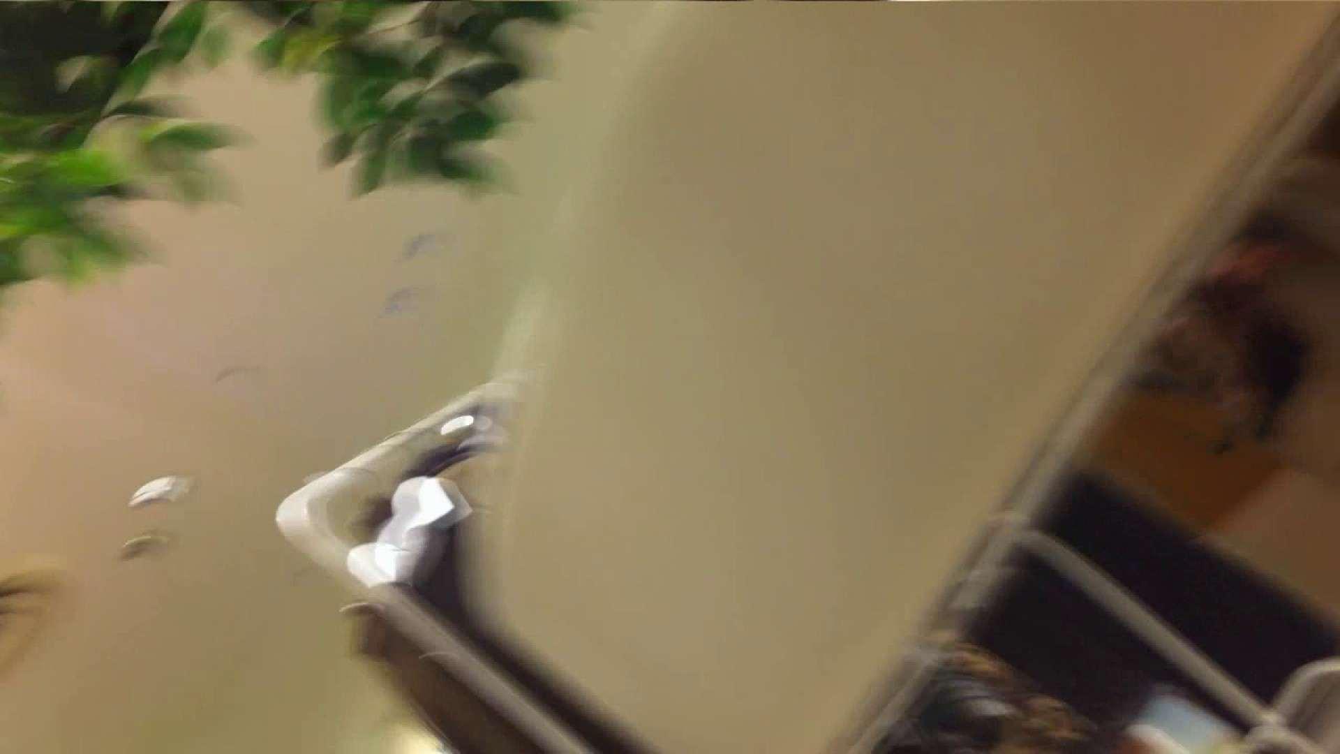 エロ動画:vol.40 美人アパレル胸チラ&パンチラ もっこりパンチラ!:ピープフォックス(盗撮狐)