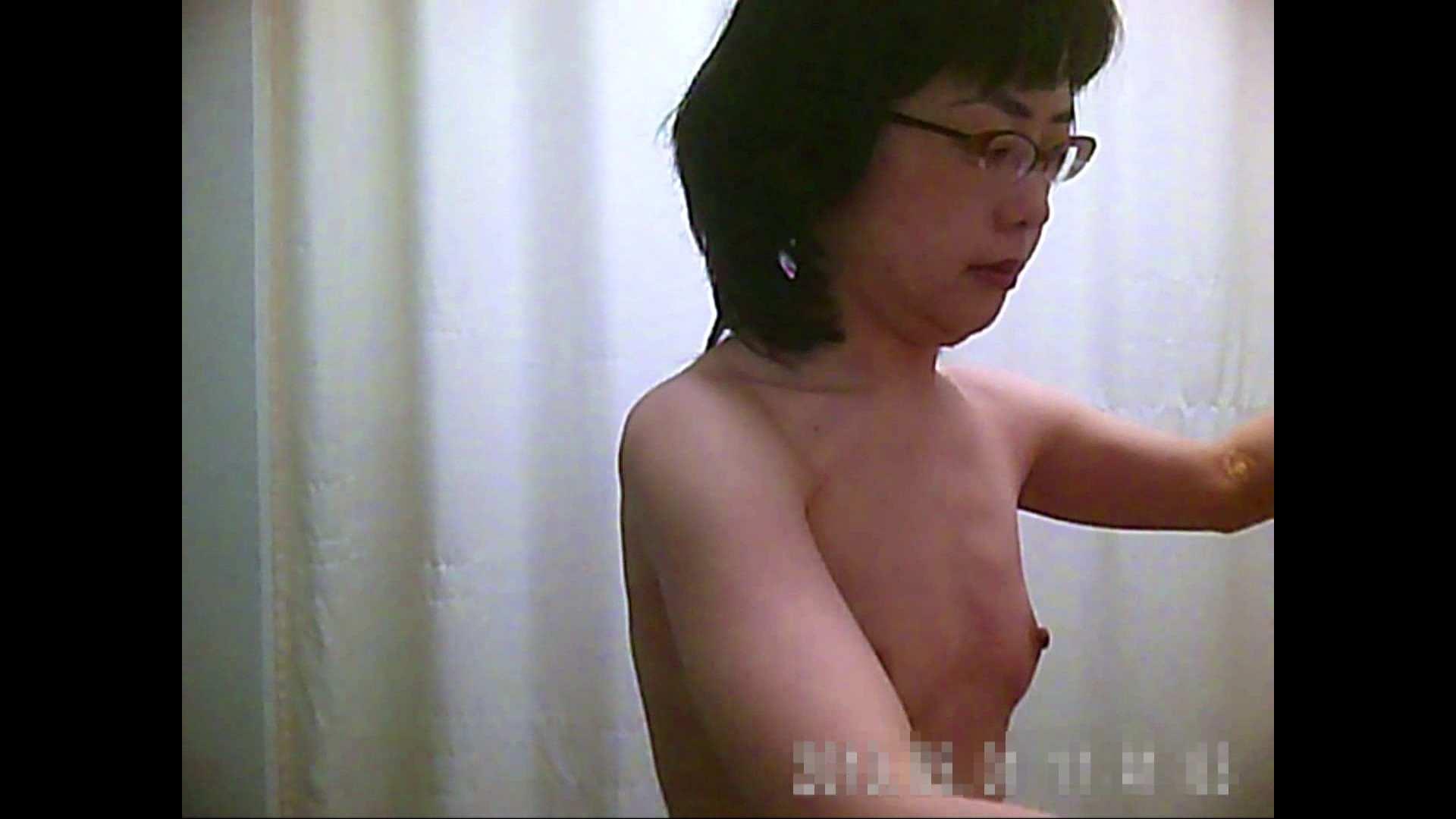 病院おもいっきり着替え! vol.206 乳首 | おっぱい娘  95連発 92