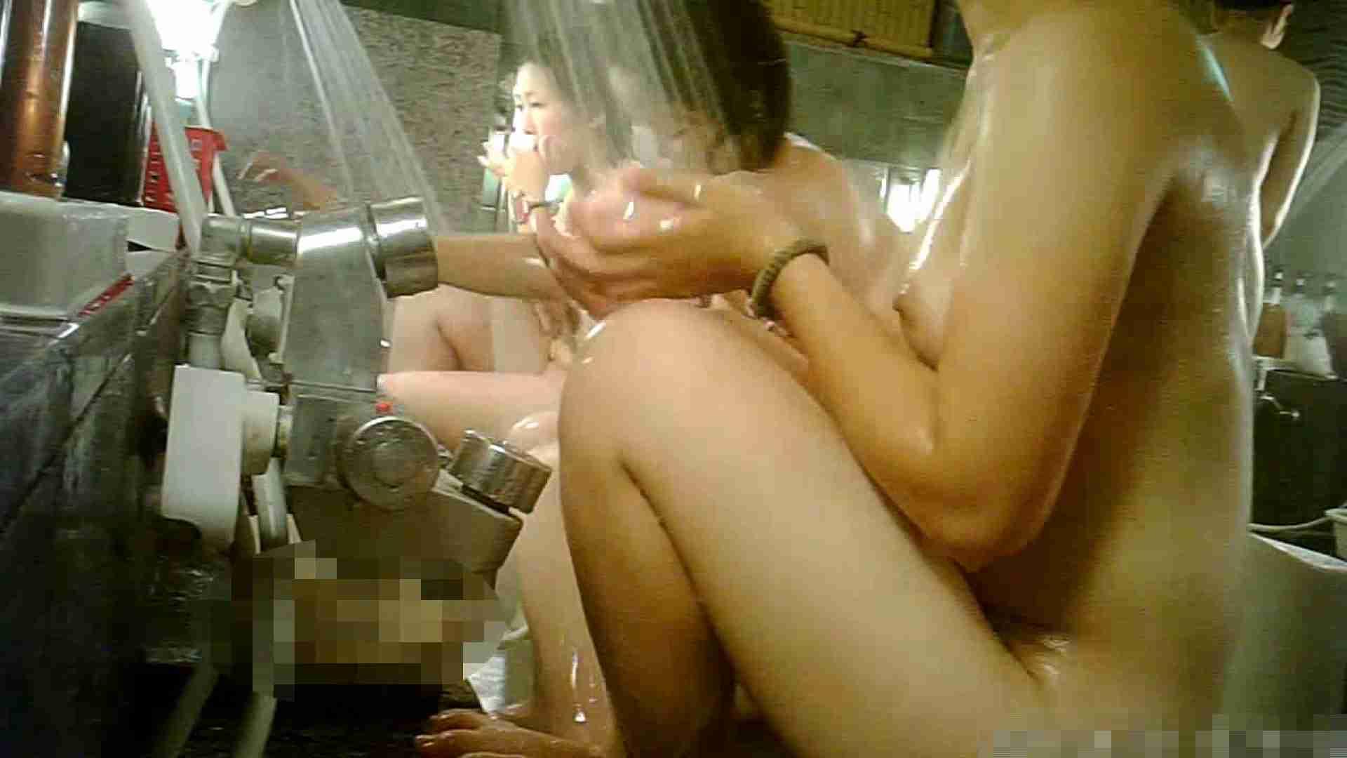 手を染めてしまった女性盗撮師の女風呂潜入記 vol.006 脱衣所 性交動画流出 27連発 25