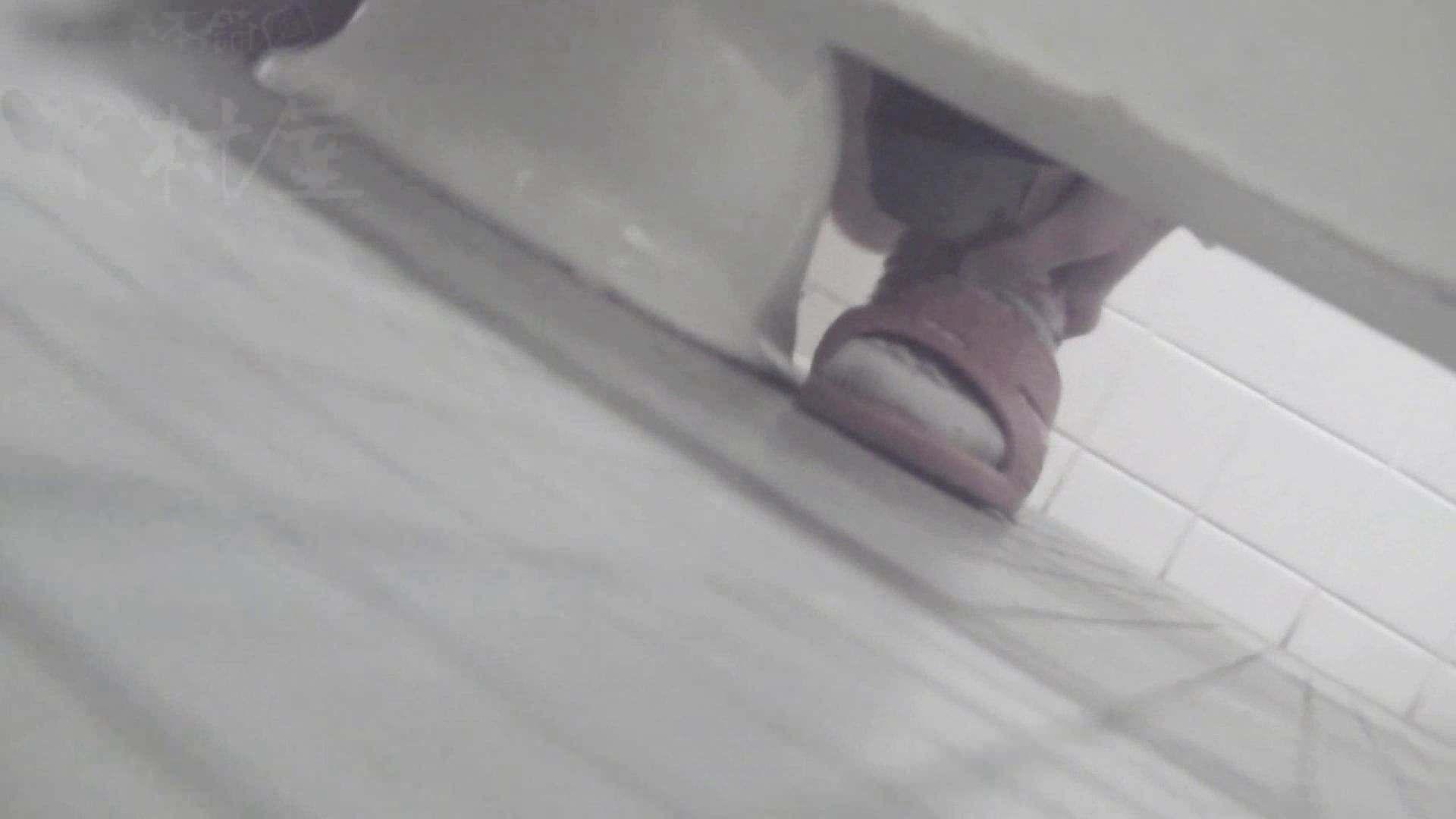 マンコ丸見え!第三体育館潜入撮File001 女子トイレ セックス無修正動画無料 65連発 36