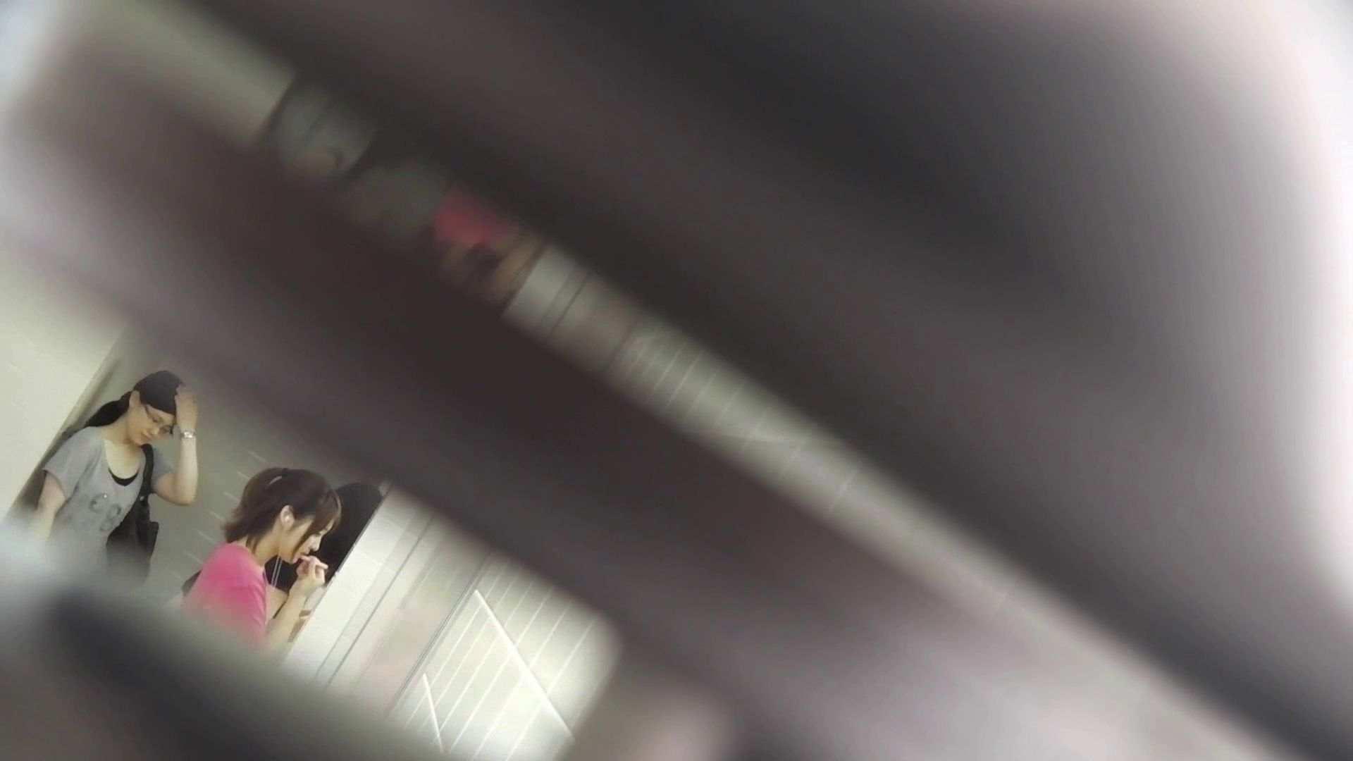 vol.26 命がけ潜伏洗面所! ゴツゴツ系 洗面所 | 美女OL  92連発 85