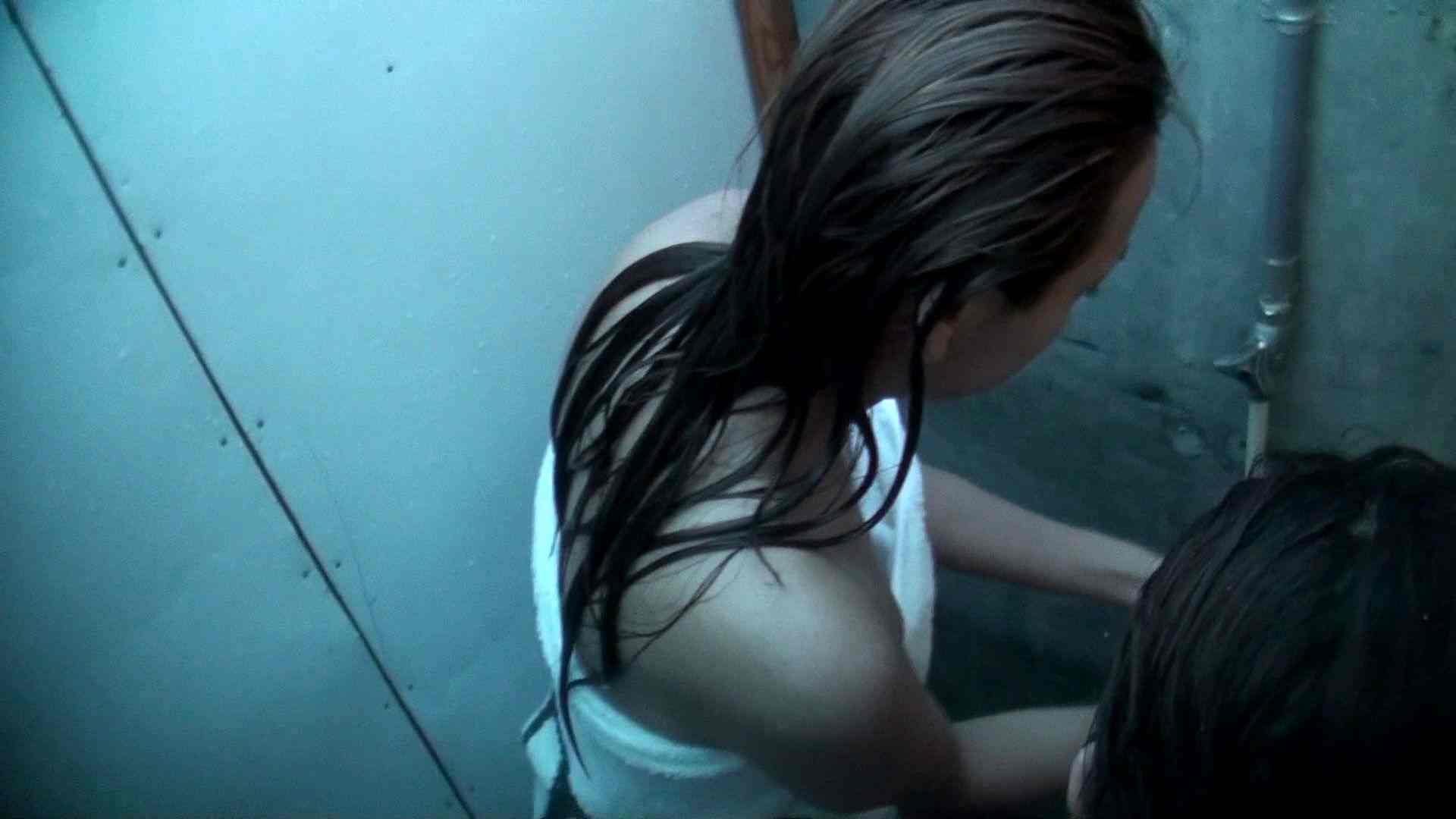 シャワールームは超!!危険な香りVol.8 マリンスポーツが似合いそうなスレンダーなお姉さん2人組 美女OL  52連発 4