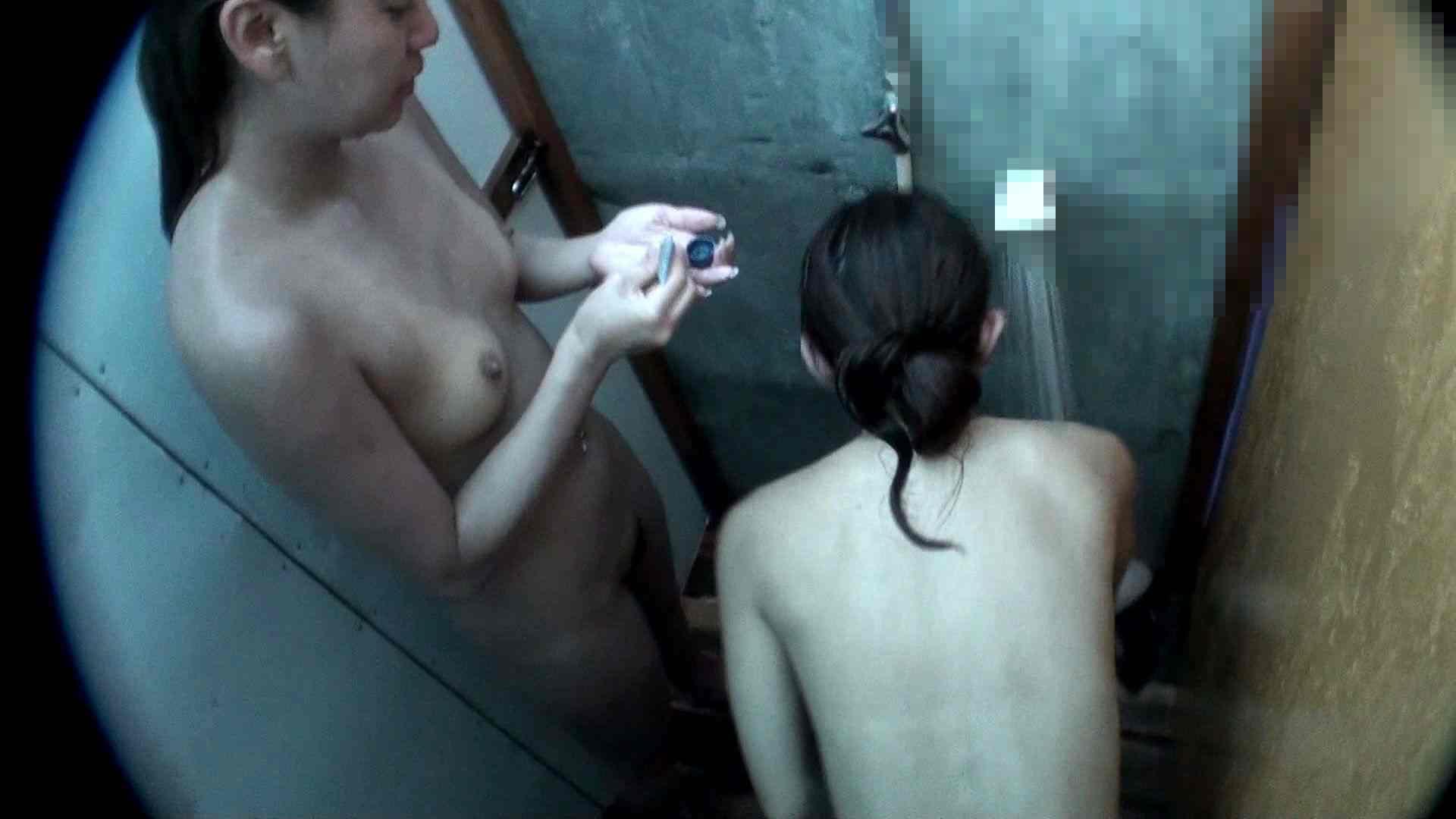 シャワールームは超!!危険な香りVol.8 マリンスポーツが似合いそうなスレンダーなお姉さん2人組 美女OL  52連発 44