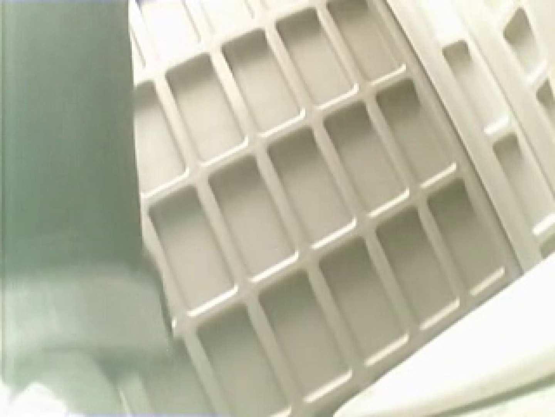 野外の洗面所は危険ですVol.2 野外 隠し撮りオマンコ動画紹介 35連発 35