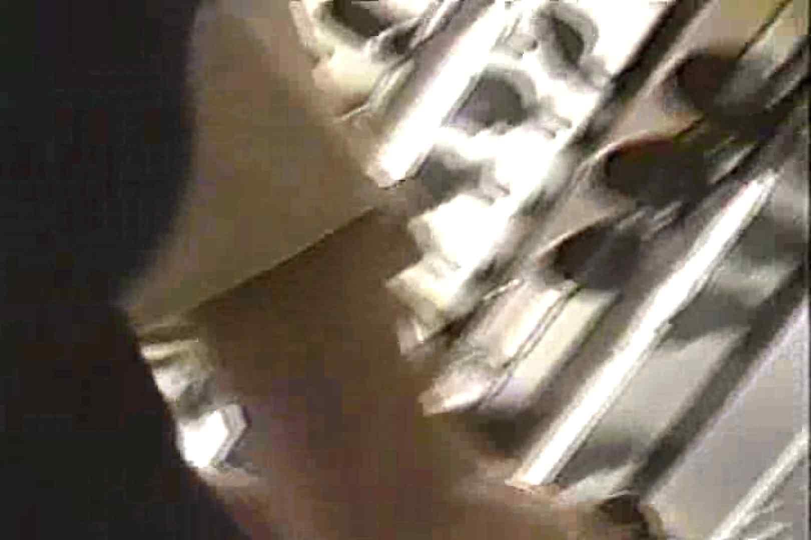 「ちくりん」さんのオリジナル未編集パンチラVol.1_01 美女OL | チラ見え画像  35連発 34
