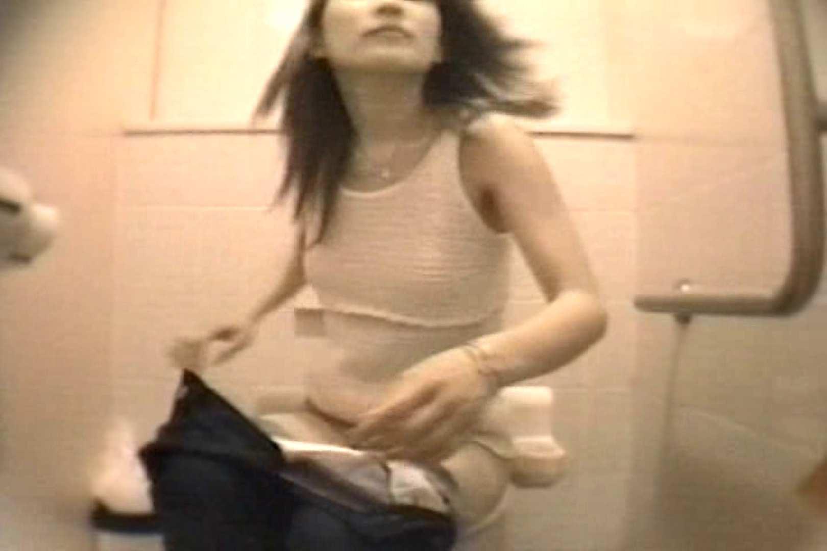 個室狂いのマニア映像Vol.4 洗面所 | 和式  52連発 10