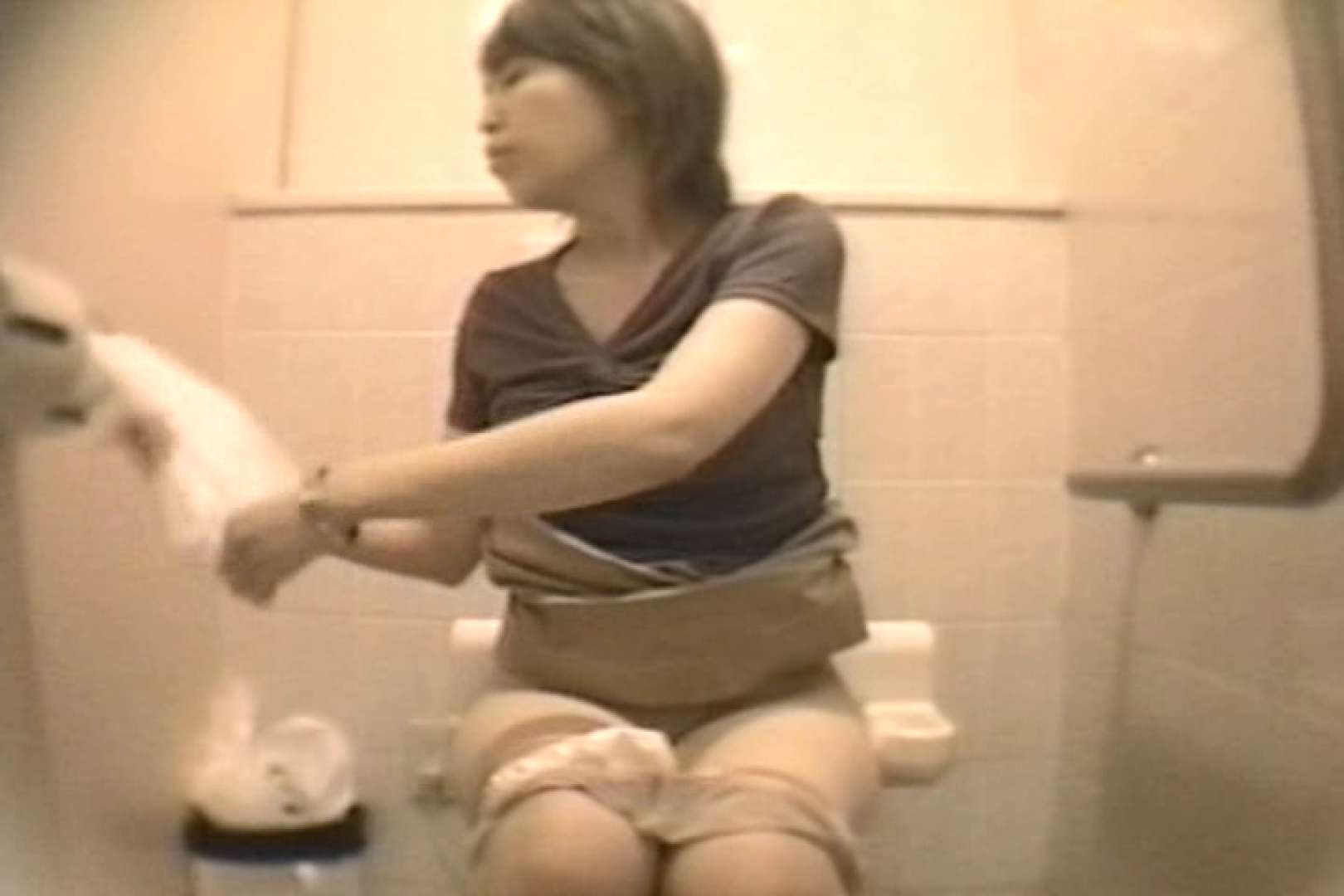 個室狂いのマニア映像Vol.4 洗面所 | 和式  52連発 13